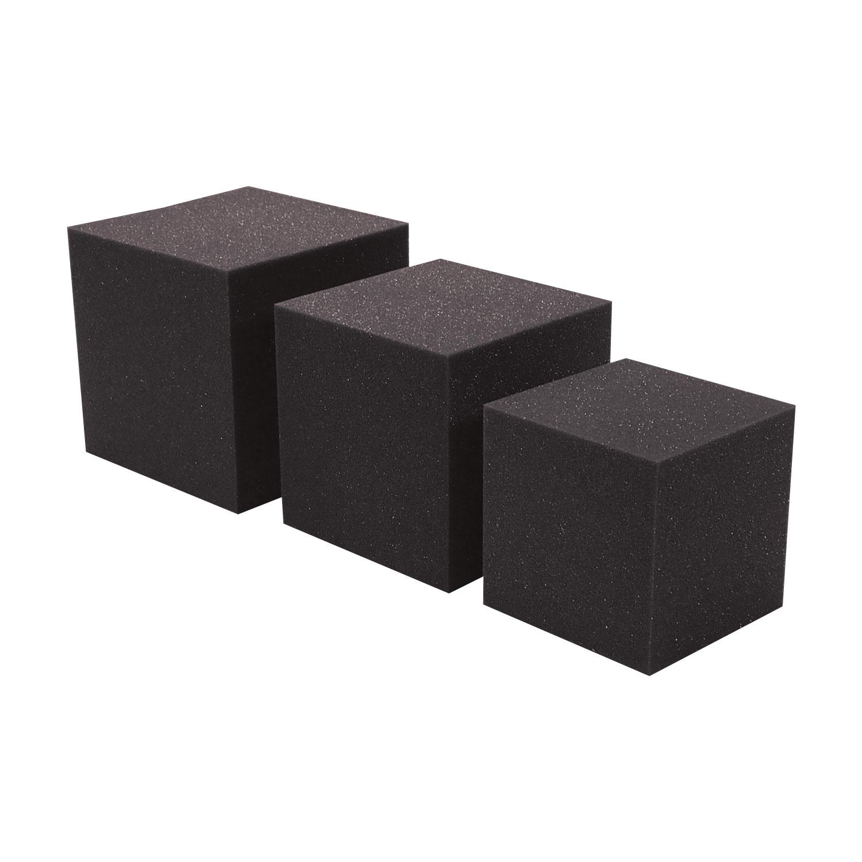 Kostki połączeniowe do narożników akustycznych w różnych rozmiarach i kolorach pozwalają na łączenie pułapek basowych (basstrapów) pomiędzy płaszczyznami pomieszczenia.